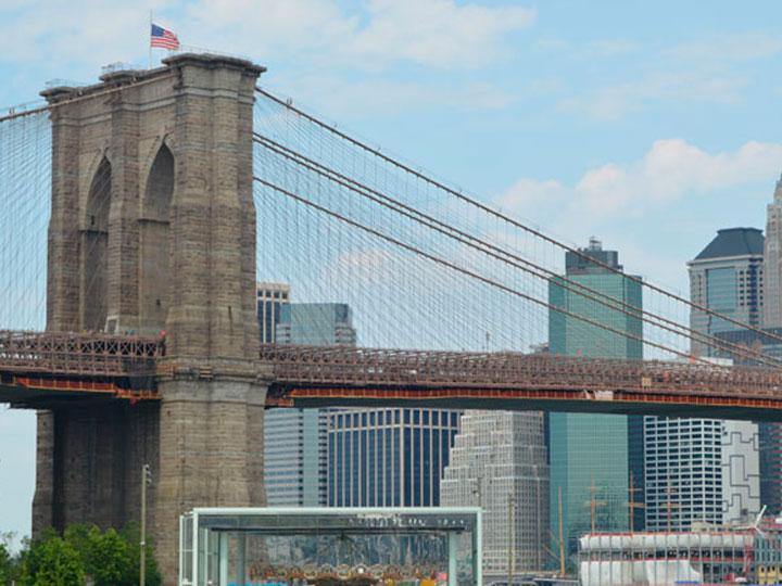 Un must de NY: cruzar el puente de Brooklyn caminando